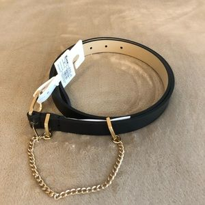 NWT Belt w / Chain ⭐️